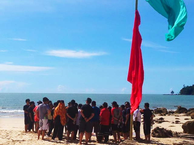 Briefing session at Permai beach