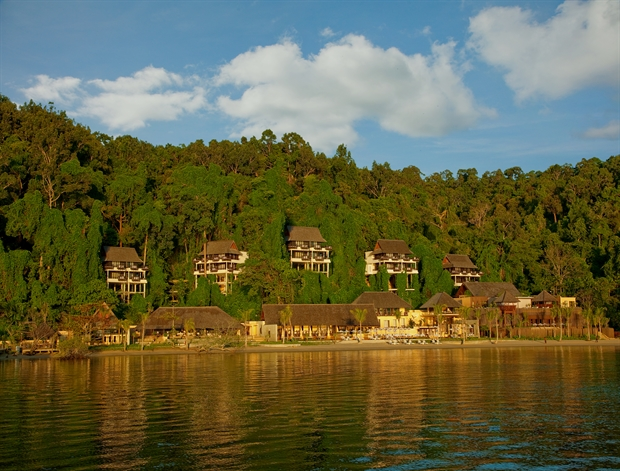 The magnificent view of Gaya Island Resort from afar